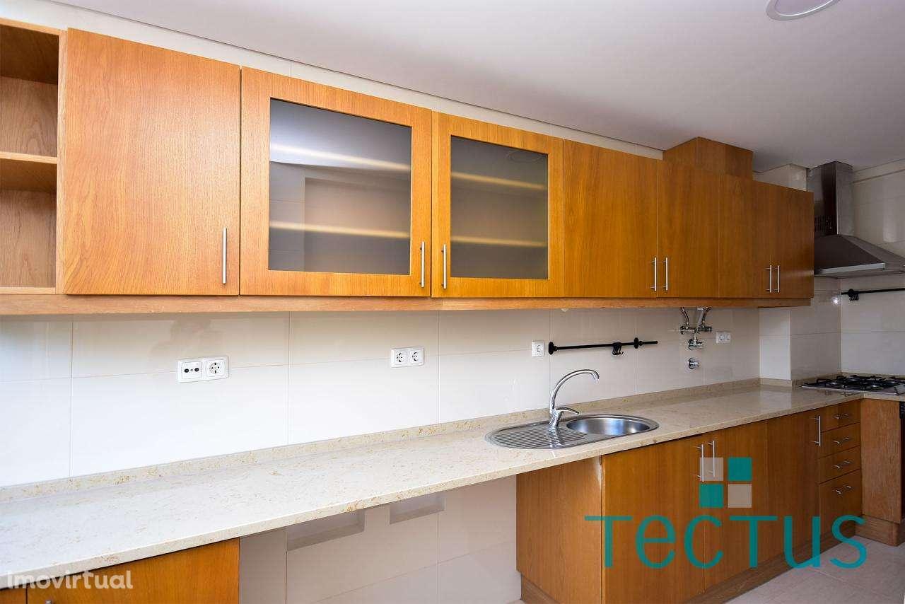 Apartamento para arrendar, Algés, Linda-a-Velha e Cruz Quebrada-Dafundo, Lisboa - Foto 2