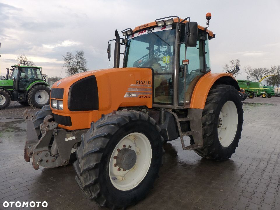 Renault Ares 640 RZ - 4