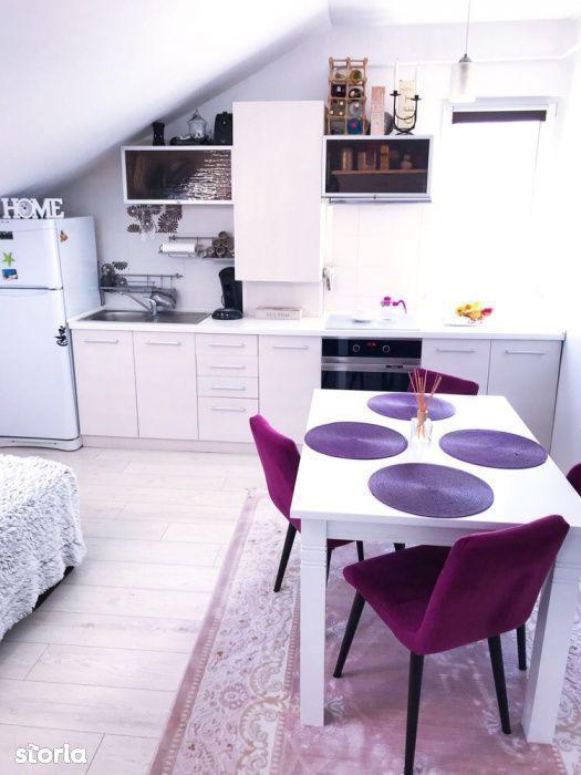Apartament cu 3 camere în zona Zorilor