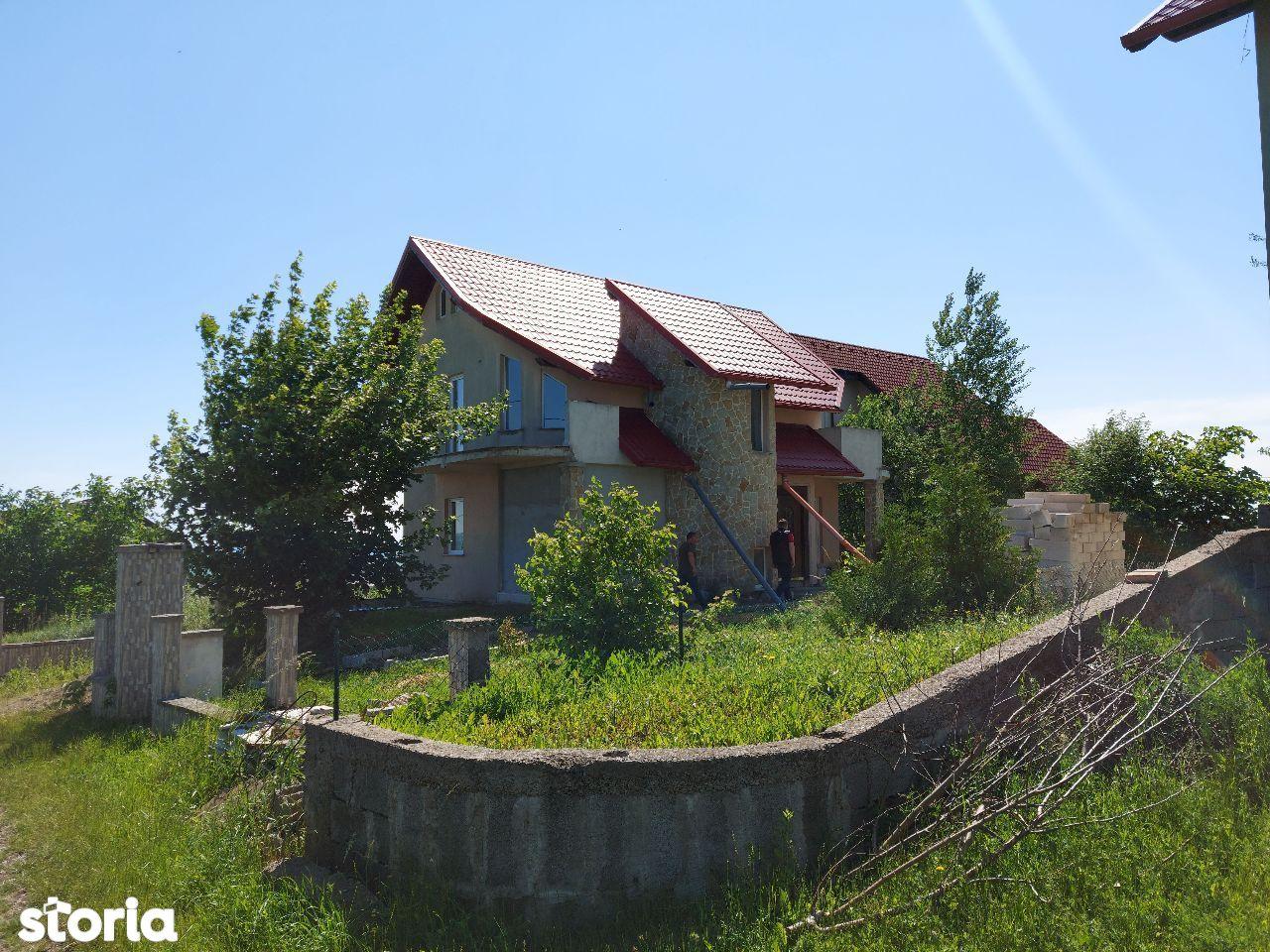 De vanzare casă Ipotești ,Str. Pinilor , Suceava , semifinisată