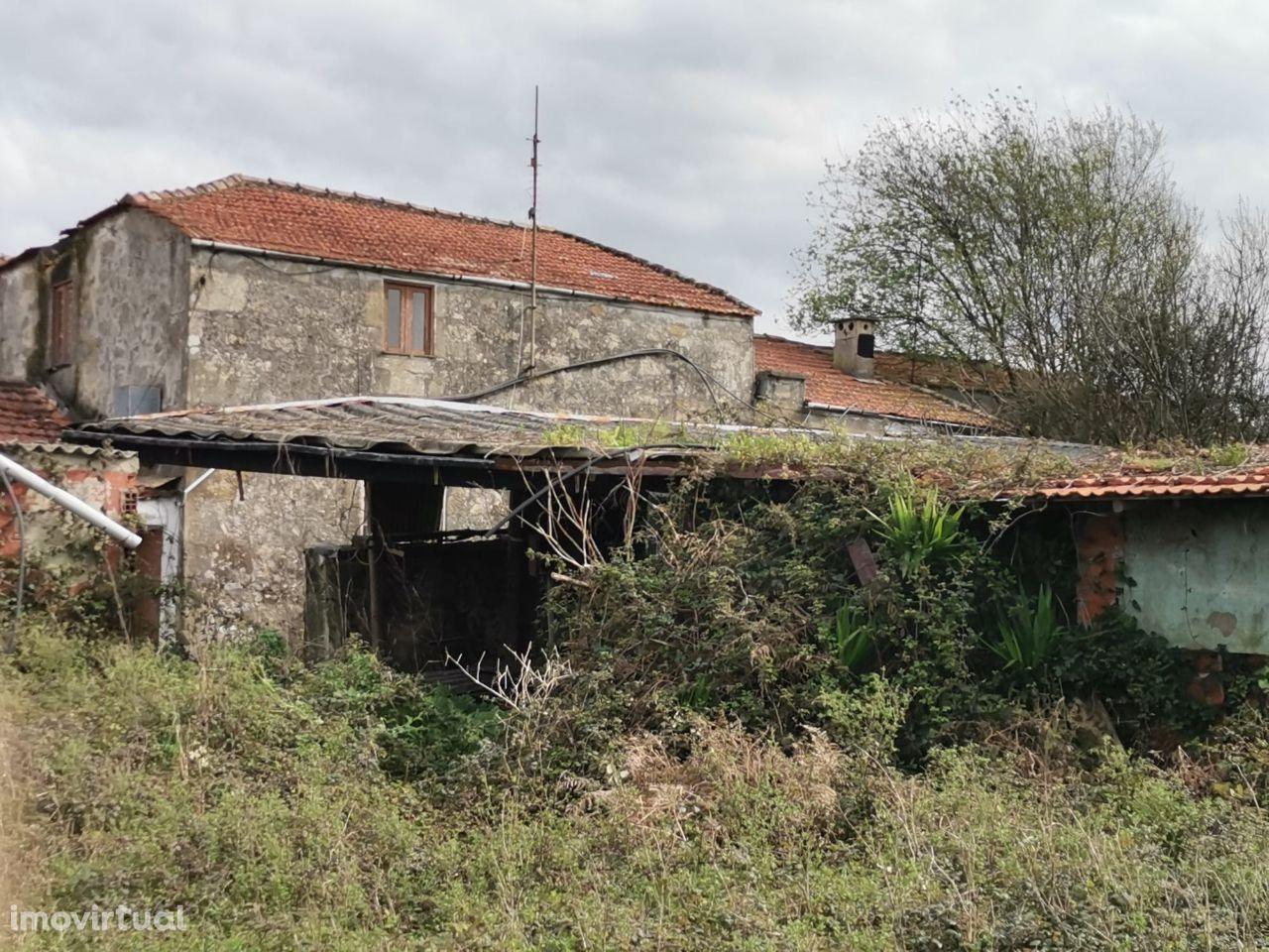 Casa rústica para restauro, Macieira da Maia