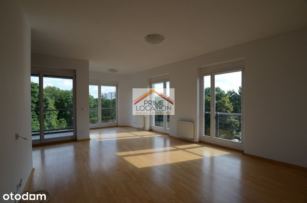 2 bedrooms / park view / sunny / garage