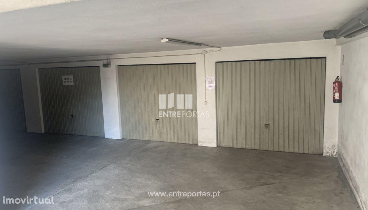 Venda de Garagem fechada, Monserrate, Viana do Castelo