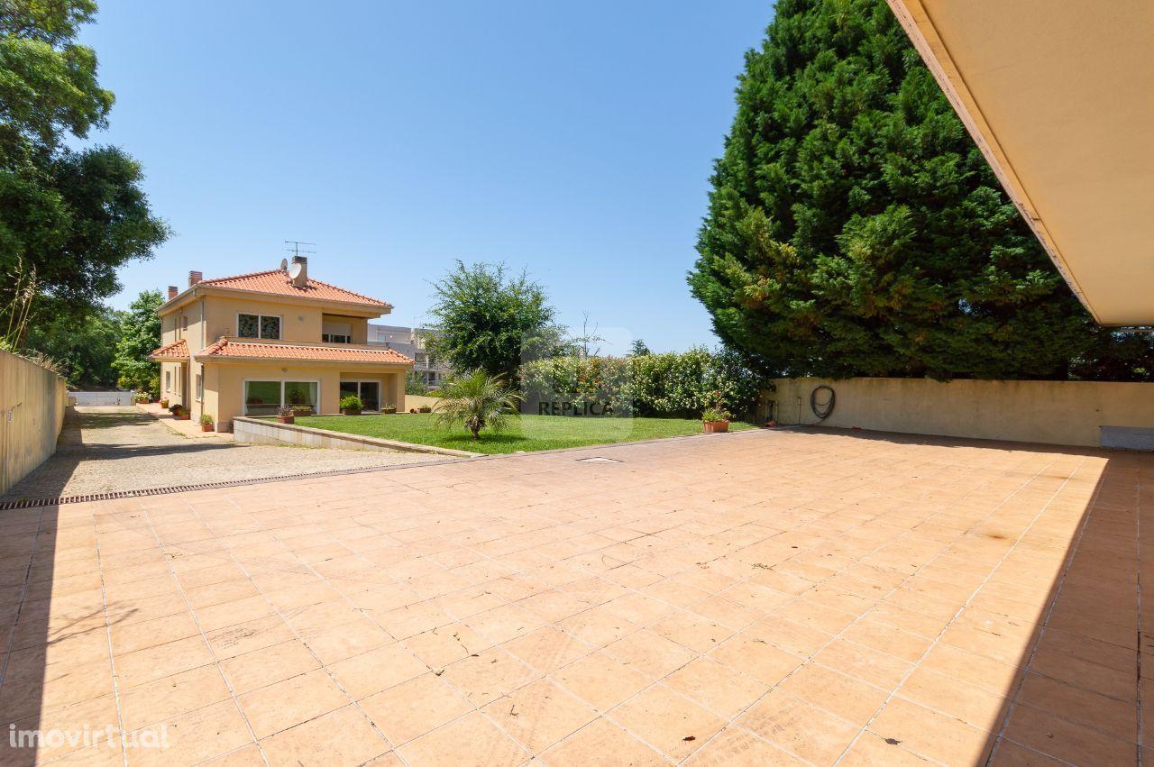 Moradia T4 com Jardim em Canelas, Vila Nova de Gaia
