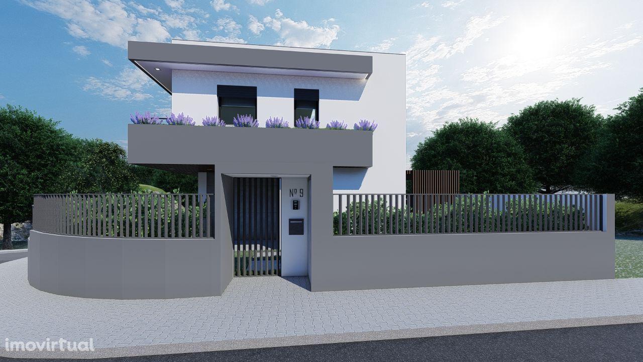 Moradia Nova T4 com piscina e garagem em fase de acabamentos - Marisol