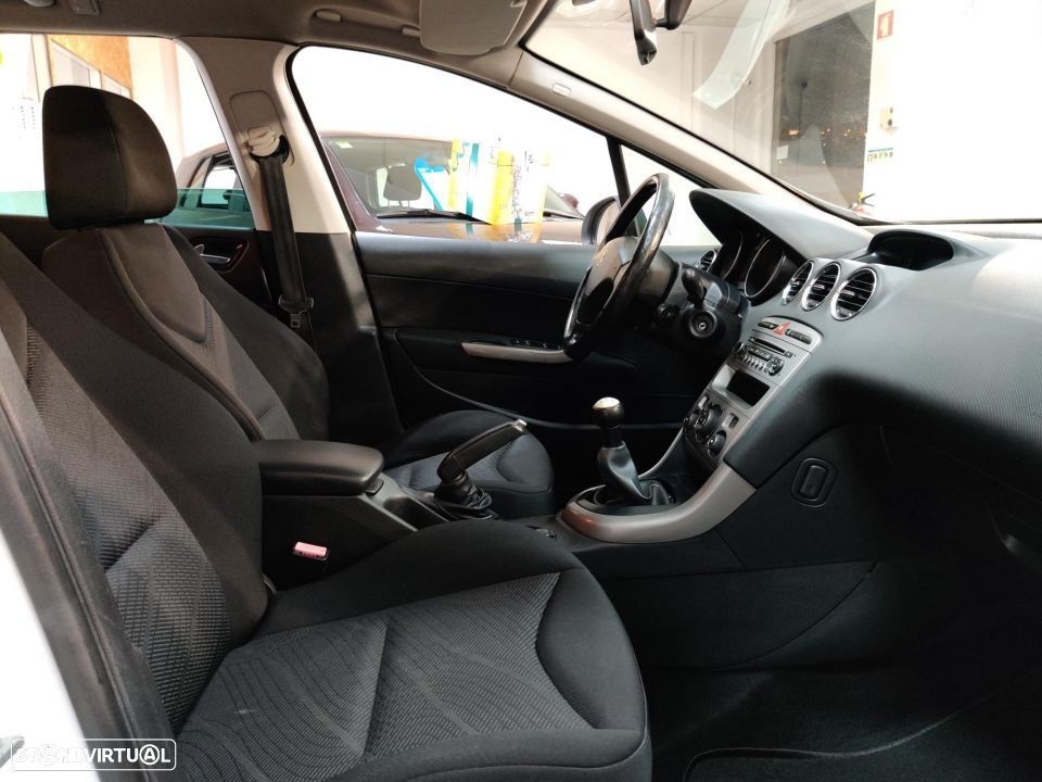 Peugeot 308 SW 1.6 HDi Active - 37