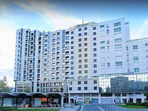 Pronto-a-Habitar! Apartamento T2 grande e park, Av. Novas, Entrecampos