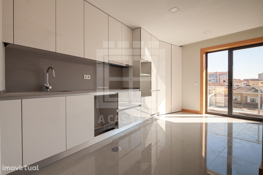 Apartamento T3 dúplex novo com acabamentos de luxo