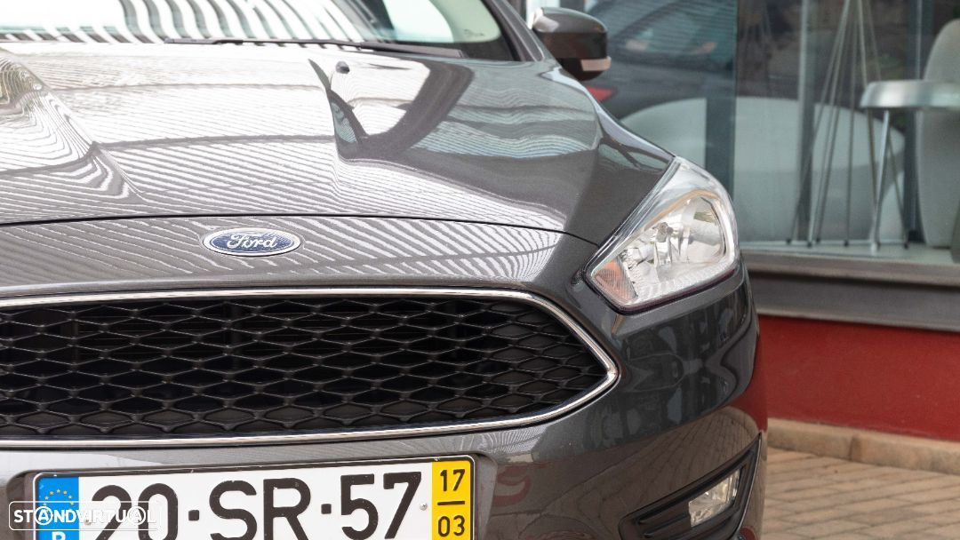 Ford Focus SW - 16