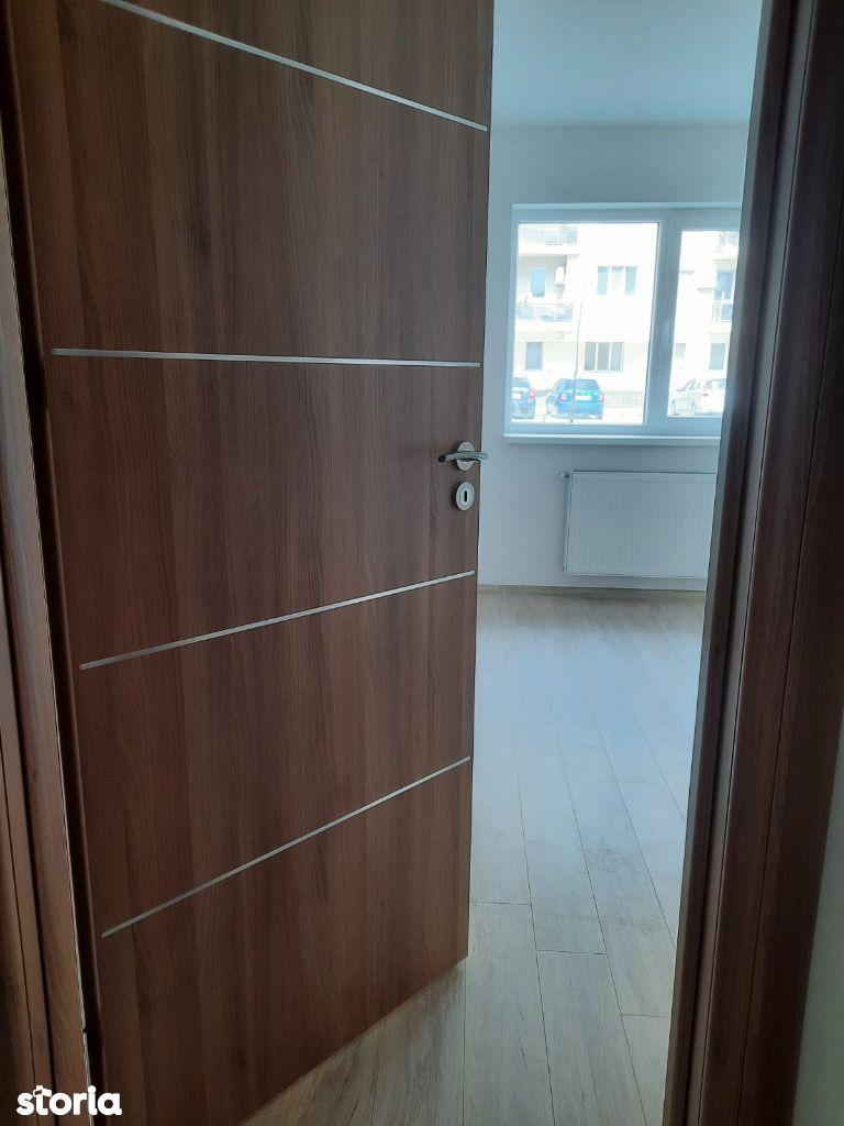 Apartament 2 camere decomandat,Metrou Berceni 500m distanta