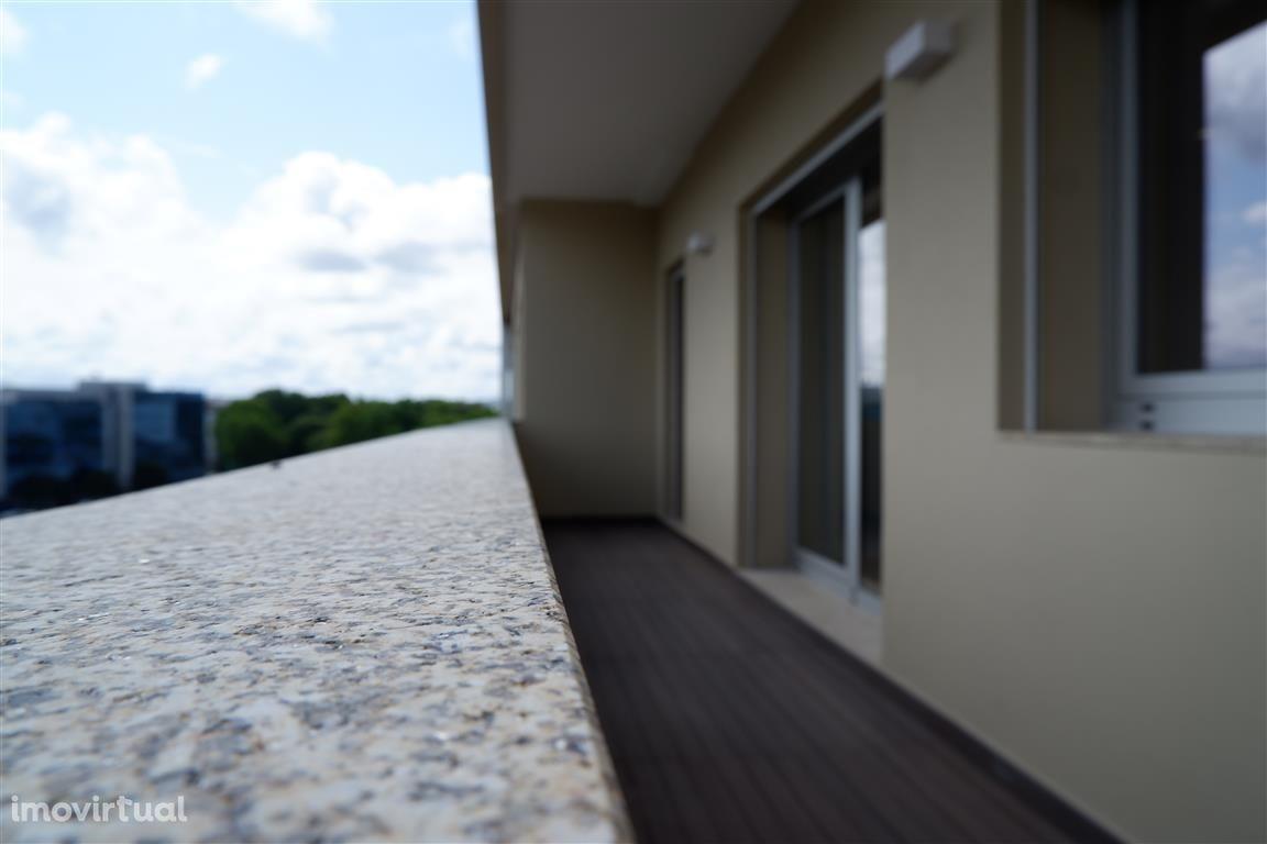 T3 Ultimo piso com terraço à Rotunda da Boavista, Porto