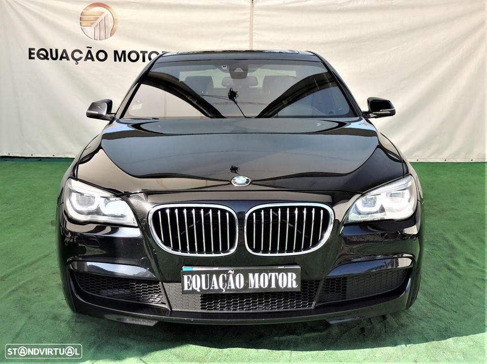 BMW 750 d xDrive Pack M - 32