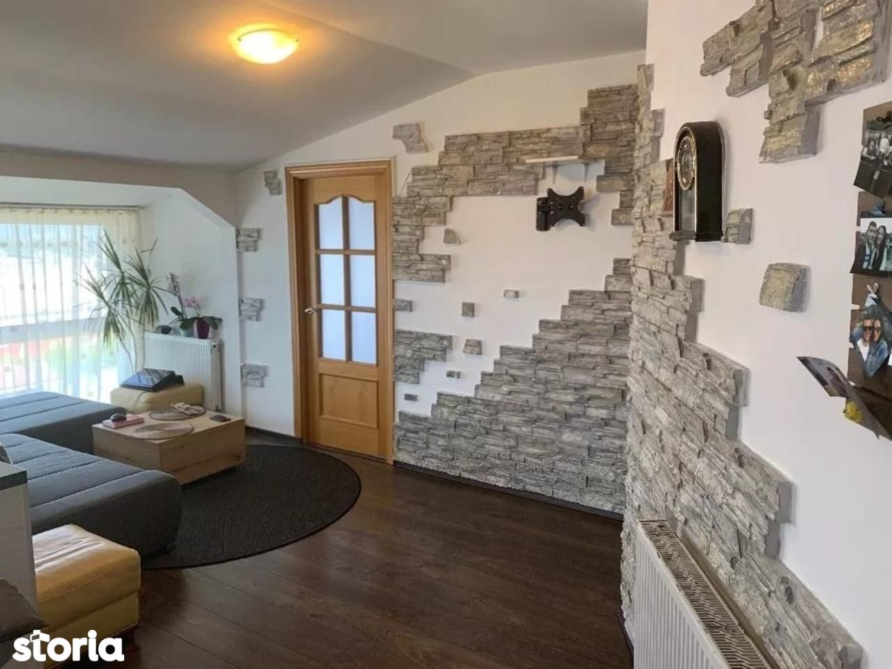 Apartament cu 3 camere de vanzare, in zona Mehedinti
