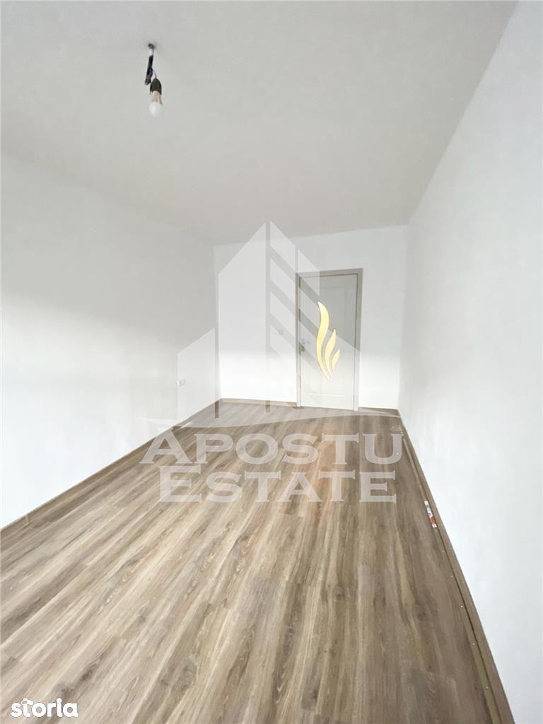 Apartament cu o camera, recent renovat in zona Lunei.