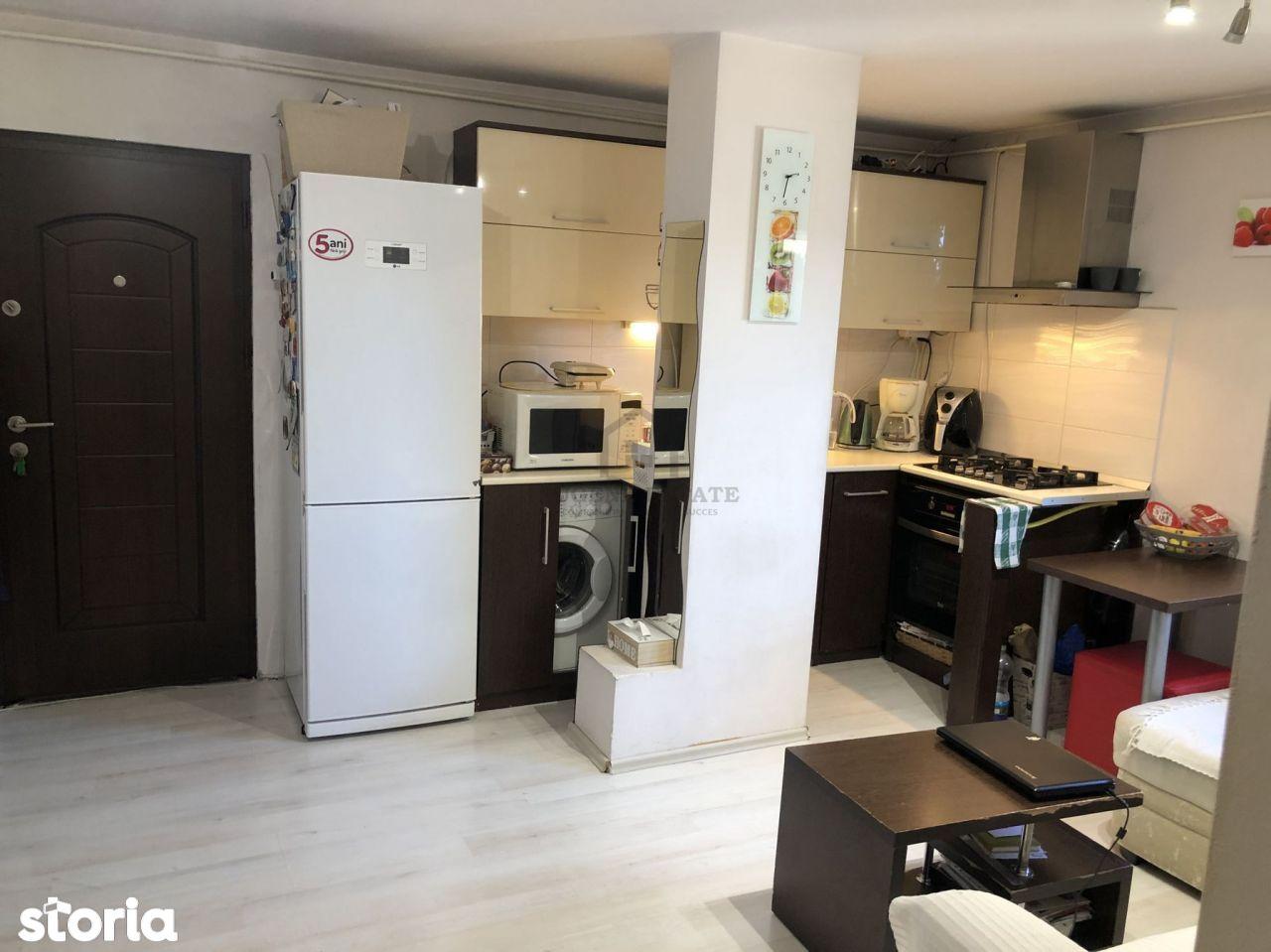 Apartament 2 camere zona Lunei