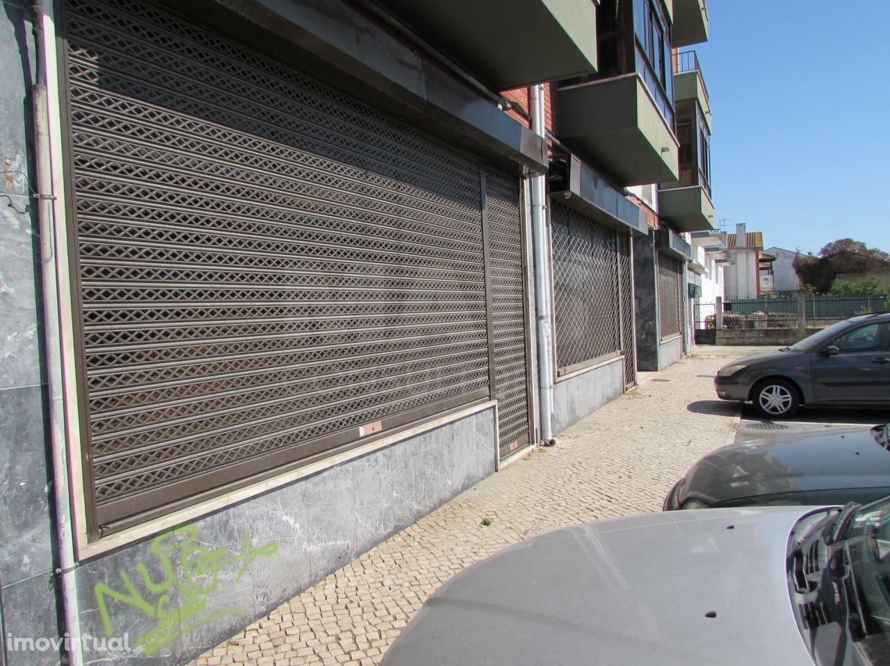Excelente Armazém no Porto Alto com 355 m2