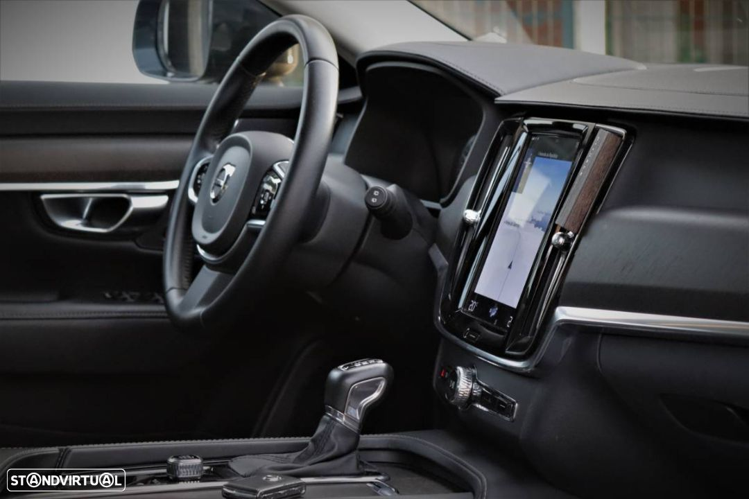 Volvo V90 Cross Country 2.0 D4 Pro AWD Geartronic - 17