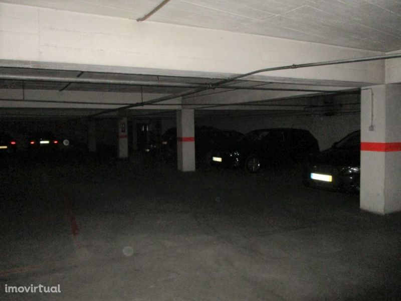 Garagem para comprar, Torres Vedras (São Pedro, Santiago, Santa Maria do Castelo e São Miguel) e Matacães, Torres Vedras, Lisboa - Foto 4