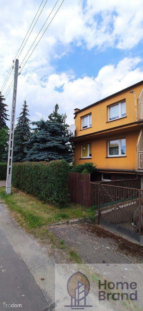 Zadbany dom z garażem blisko centrum Oleśnicy.