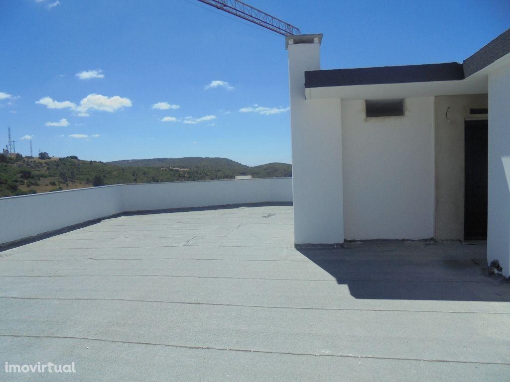 Apartamento T4 Duplex Novo com terraço!