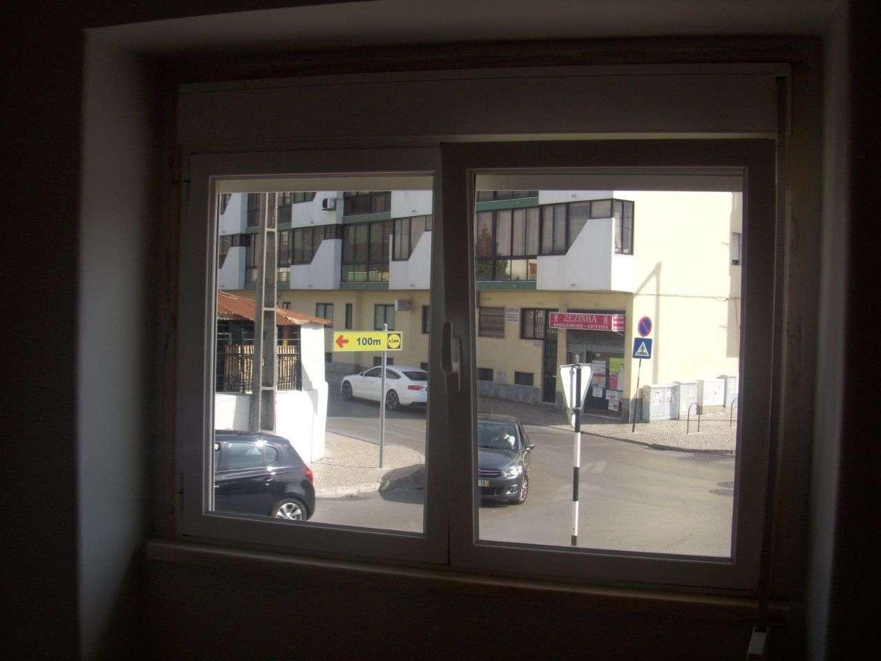 Quarto para arrendar, Rua João Villaret, Laranjeiro e Feijó - Foto 14
