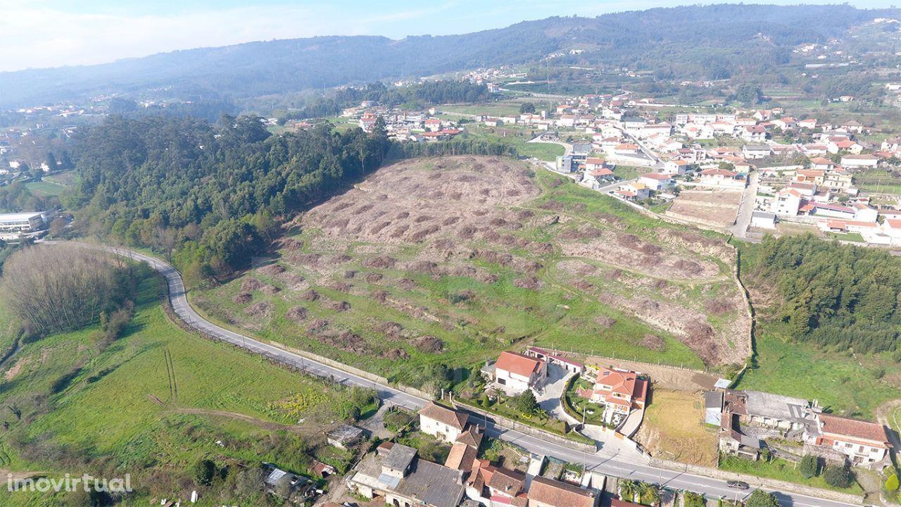 Terreno no centro das Termas de S.Vicente