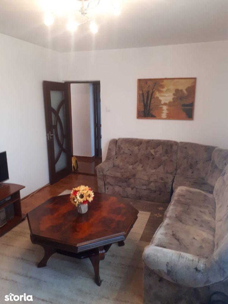 Apartament 2 camere, strada George Cosbuc,etaj3, semimobilat