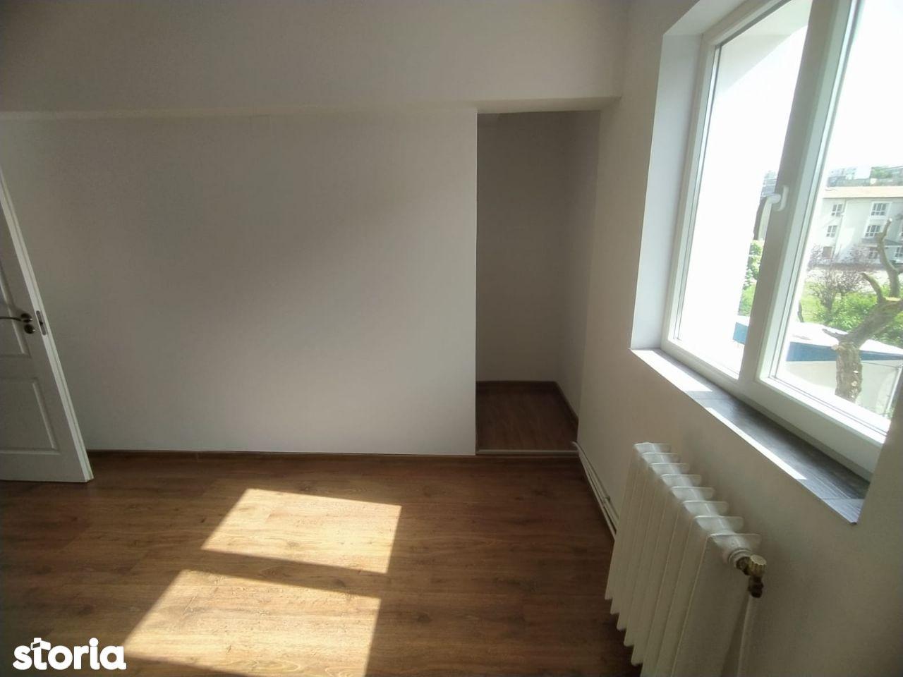 Apartament 2 camere , etaj 2, zona Eminescu