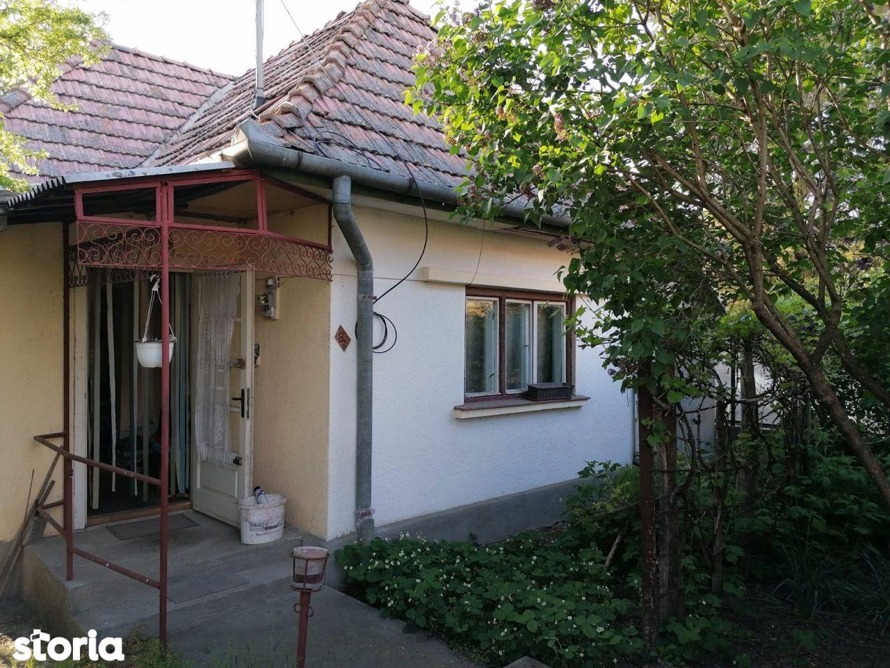 Casa singur in curte,teren 2200 mp,in Mureseni