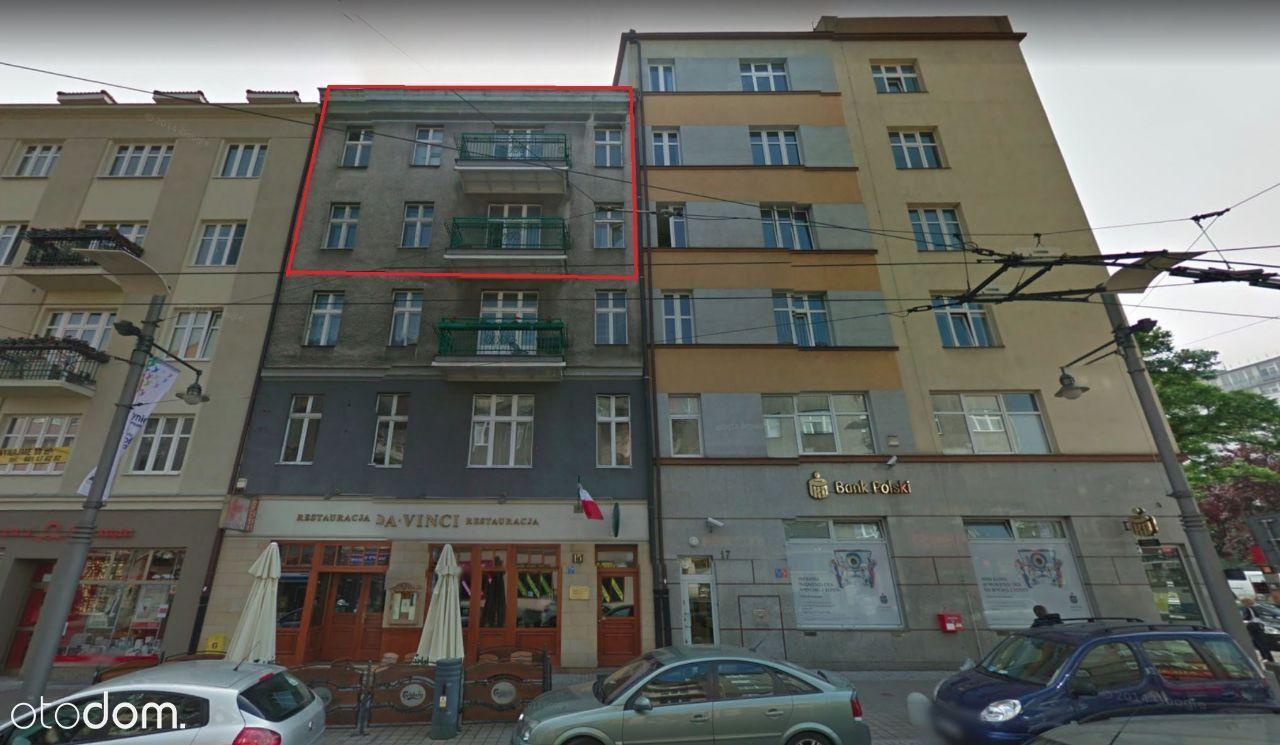 Całe piętro kamienicy w ścisłym centrum Gdyni