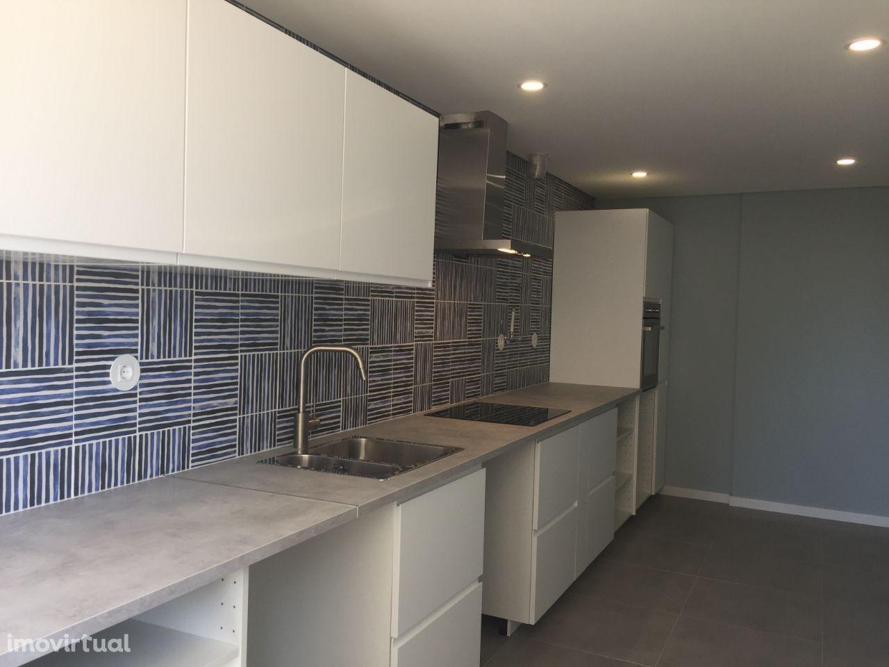 Apartamento T3 à venda em Almada