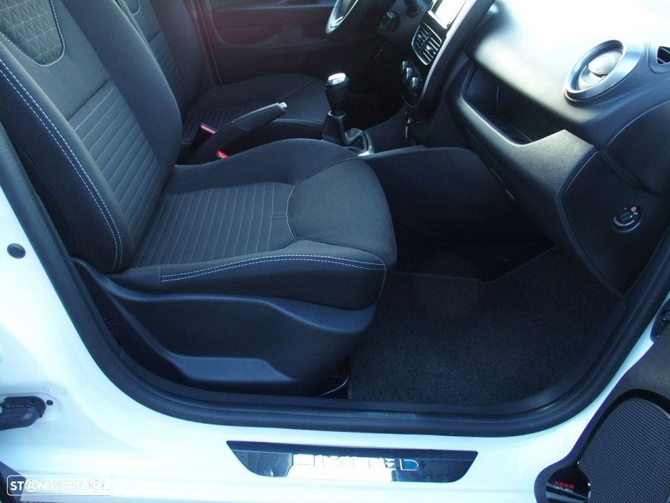 Renault Clio 1.5 Dci LIMITED GPS - 29