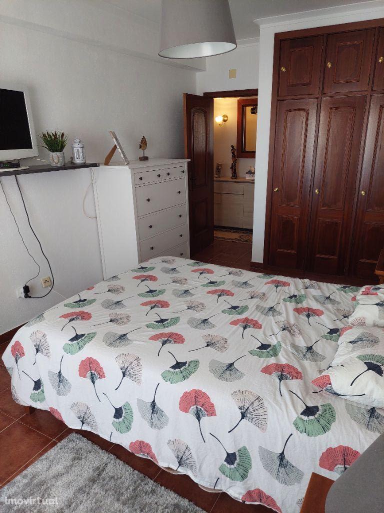 Excelente apartamento T2 com 105m2 Oportunidade a não perder!!