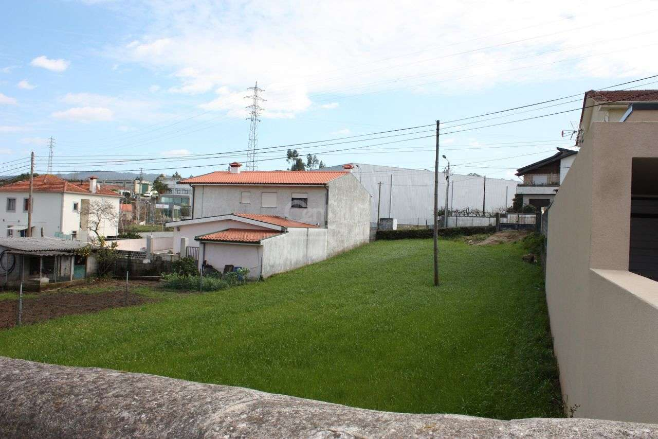 Terreno para comprar, Santo Tirso, Couto (Santa Cristina e São Miguel) e Burgães, Porto - Foto 1