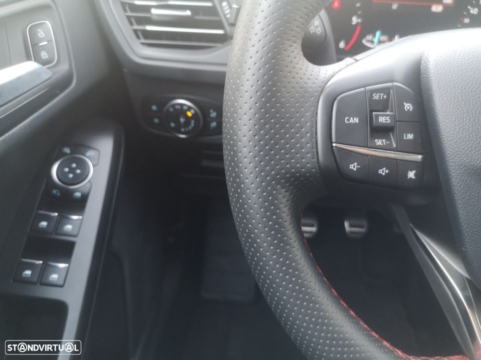 Ford Focus SW ST-Line - 11