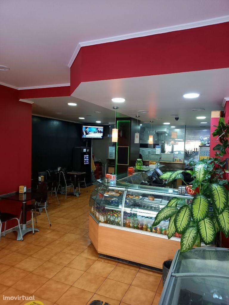 Loja Snack Café Pastelaria Equipado 24 lugares sentados