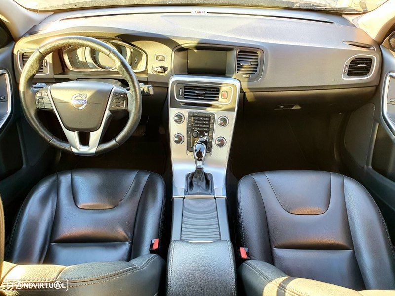 Volvo S60 2.0 D2 Momentum Geartronic - 14