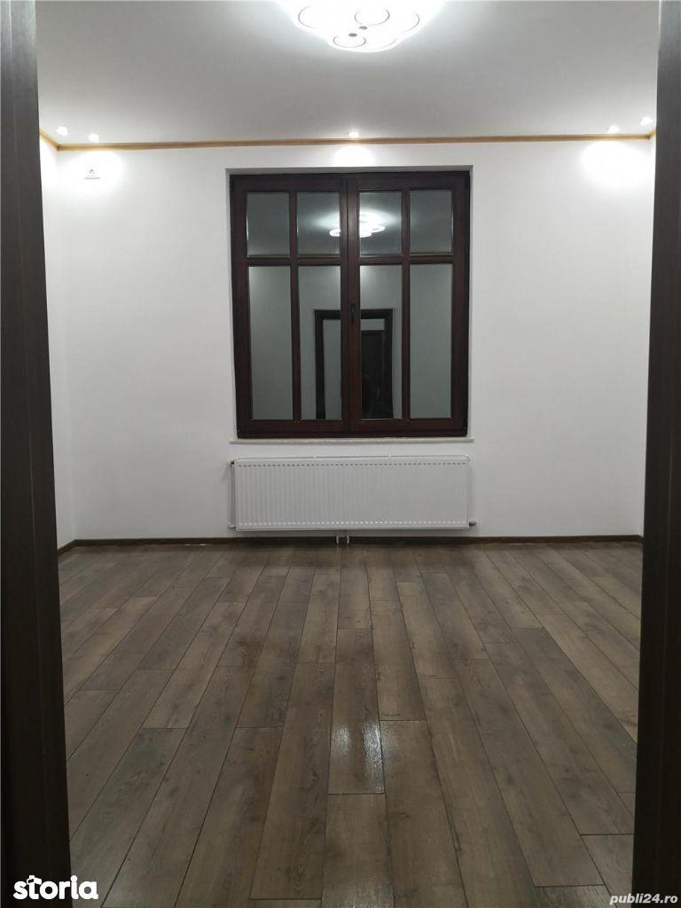 Vanzare apartament parter 3 camere Parc Romniceanu cu curte proprie