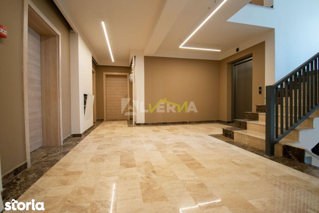Apartament 3 camere, 70.26 mp, semifinisat, complex de LUX, zona VIVO