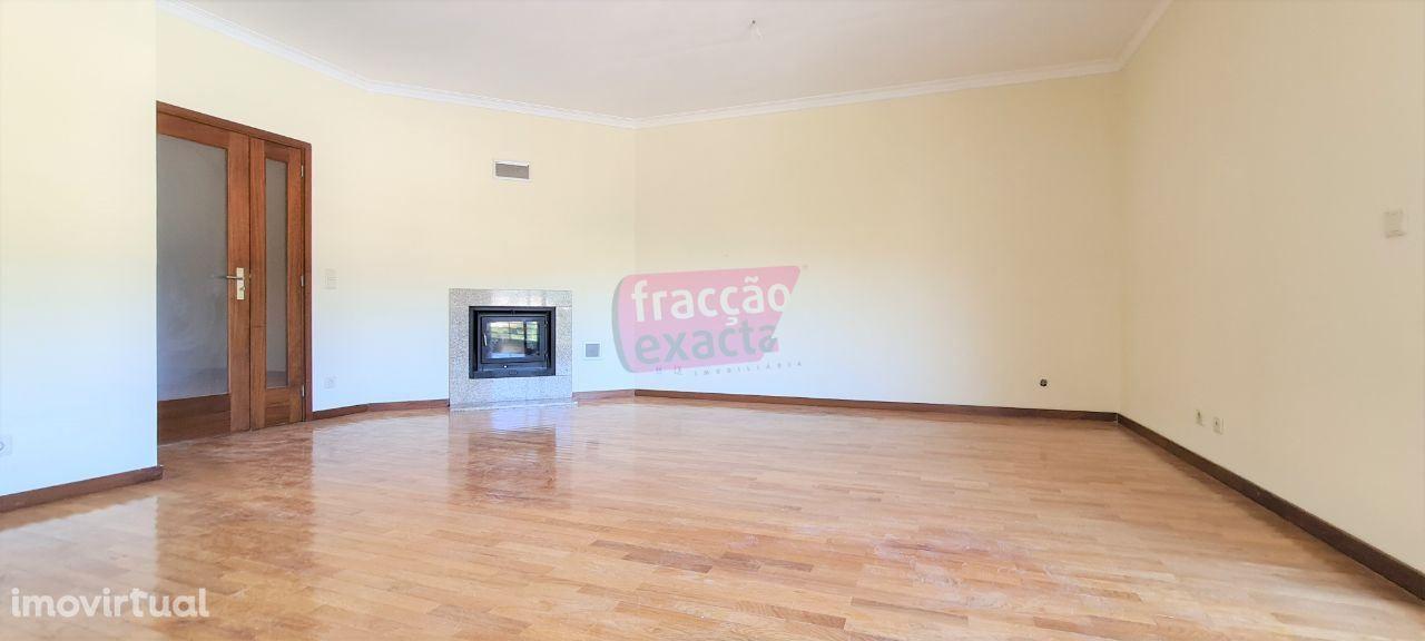 Apartamento T3 Lordelo | Paredes | Varandas e Box