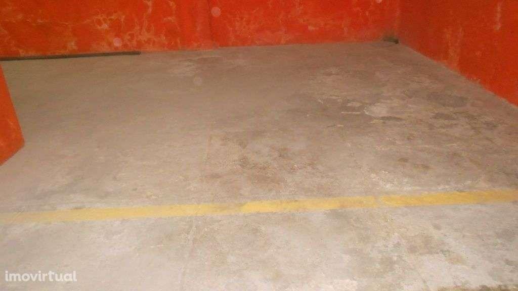 Garagem para arrendar, Santa Marinha e São Pedro da Afurada, Porto - Foto 3