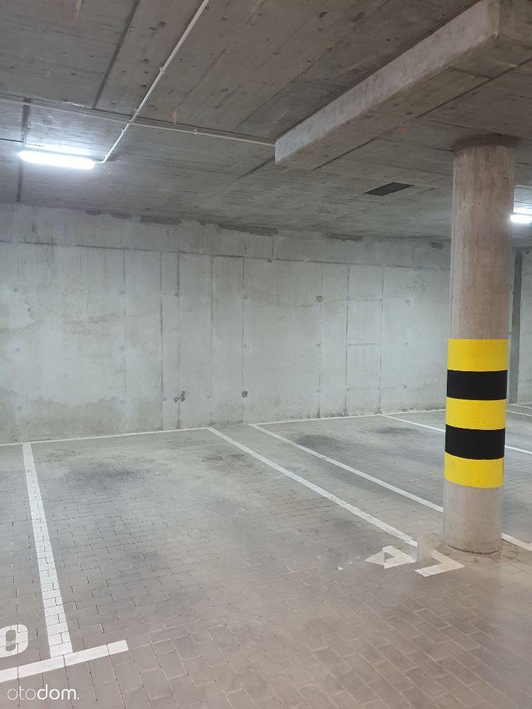 Podziemne msce parkingowe, Weglinek, Koralowa 29