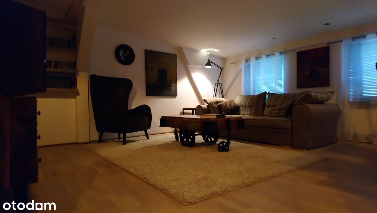 Klimatyczne 4pok na poddaszu,100 m2 po podłodze!