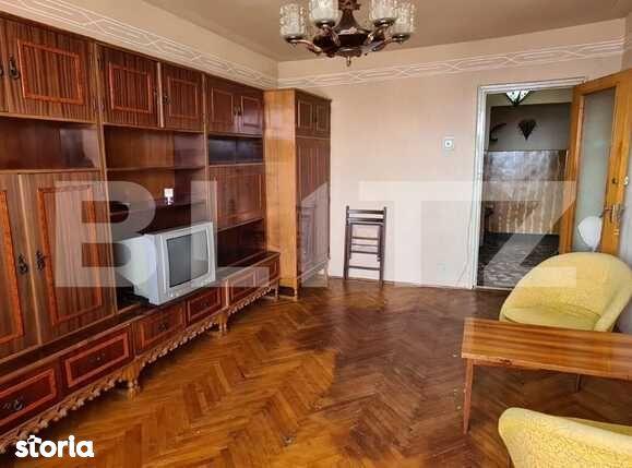 Apartament de 3 camere, 65 mp, decomandat, zona Mihai Viteazu