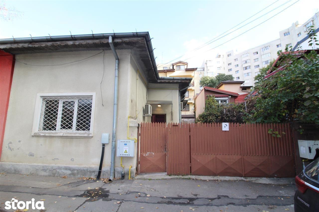Casa individuala,  teren in proprietate, zona Piata Muncii 5, min metr