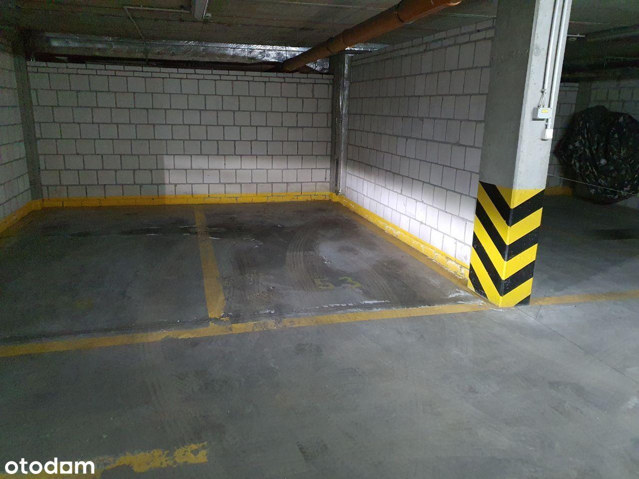 Wynajmę miejsce postojowe w garażu Kołowa