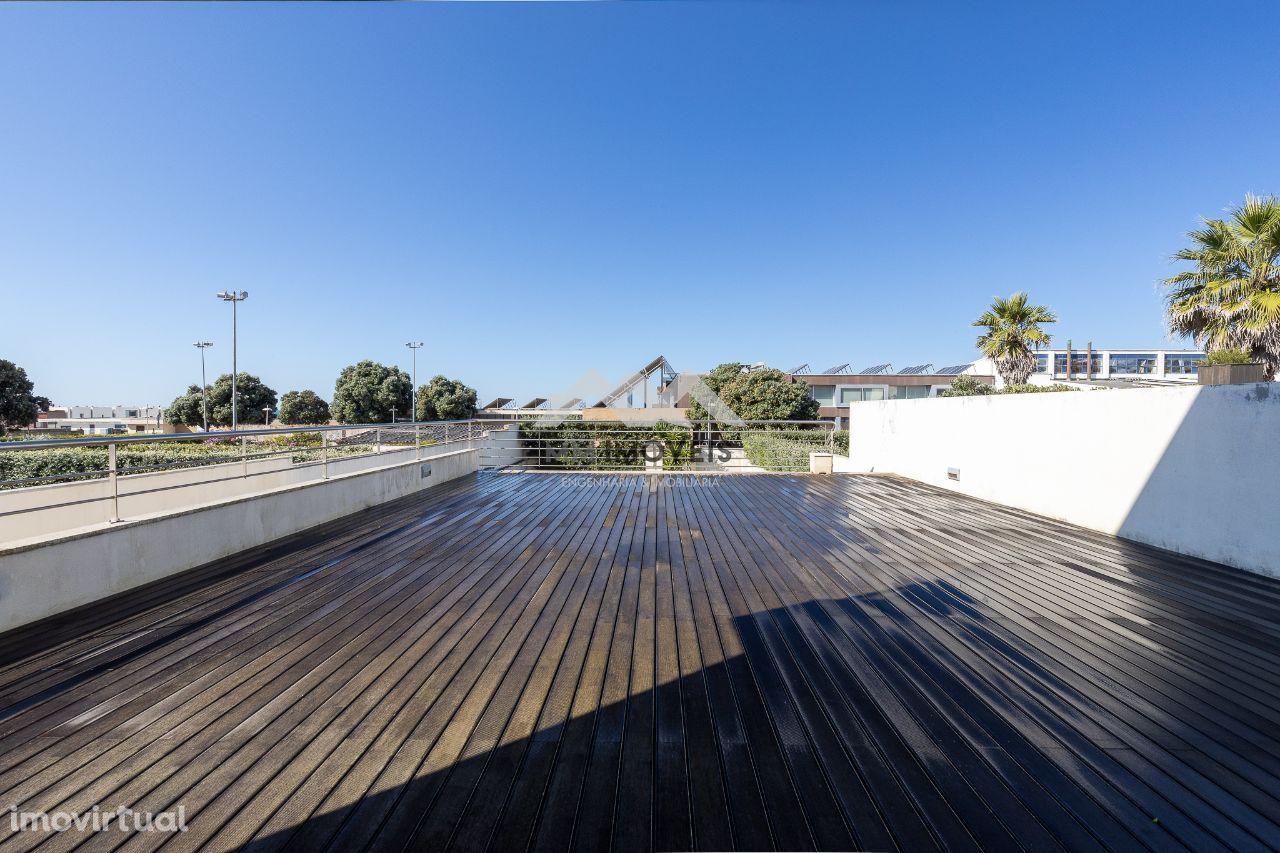 Moradia T4 | Praia da Granja | Vista Mar | Terraços | Box | Praia