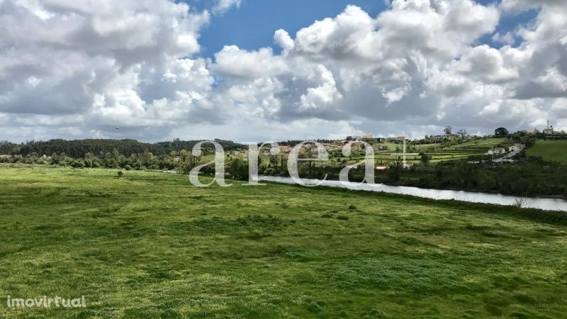 Moradia M3 com vistas fantásticas para renovar, em Verride
