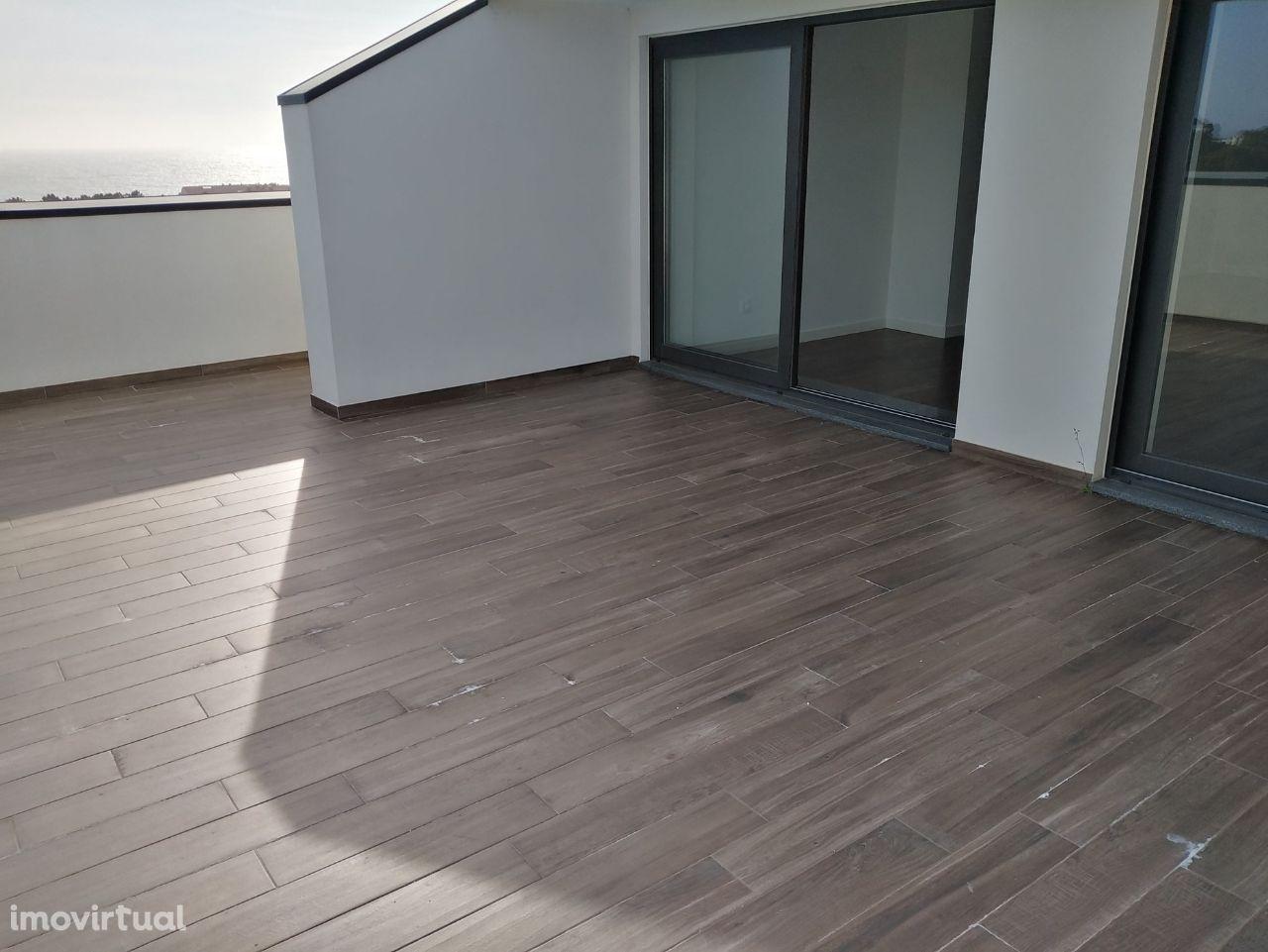 T3 Duplex NOVO - PRONTO HABITAR - Com Terraço