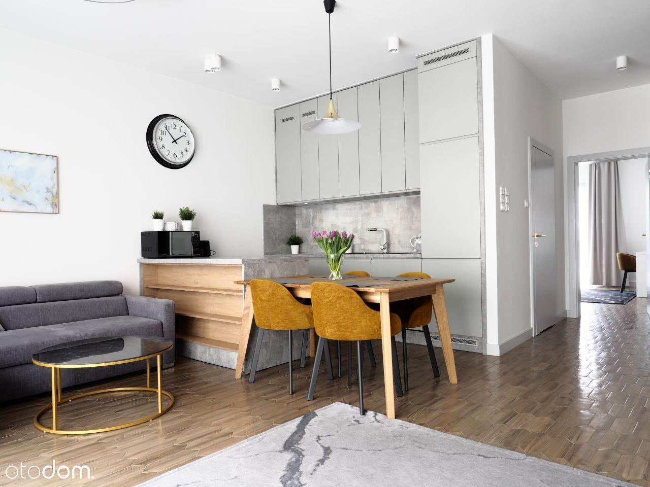 Apartament z 2019, 60m2, Centrum, Złota / Chmielna